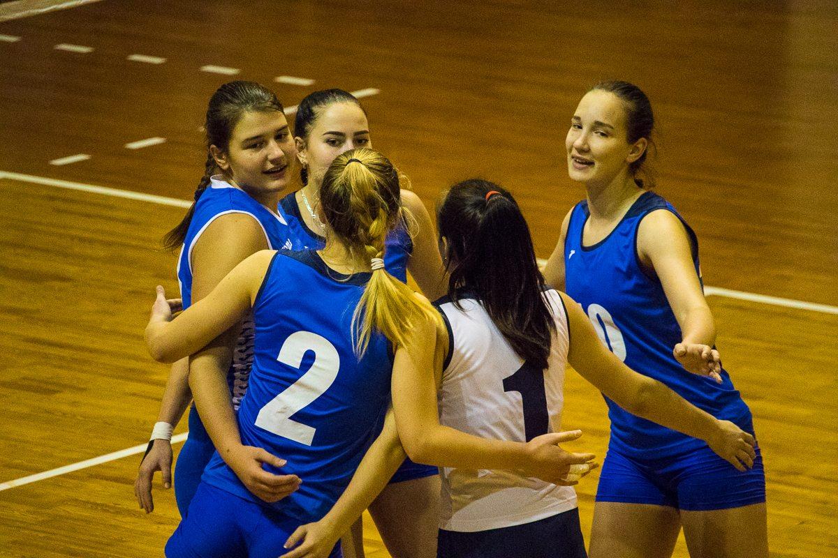 Барановичские волейболистки не скрывают эмоций.