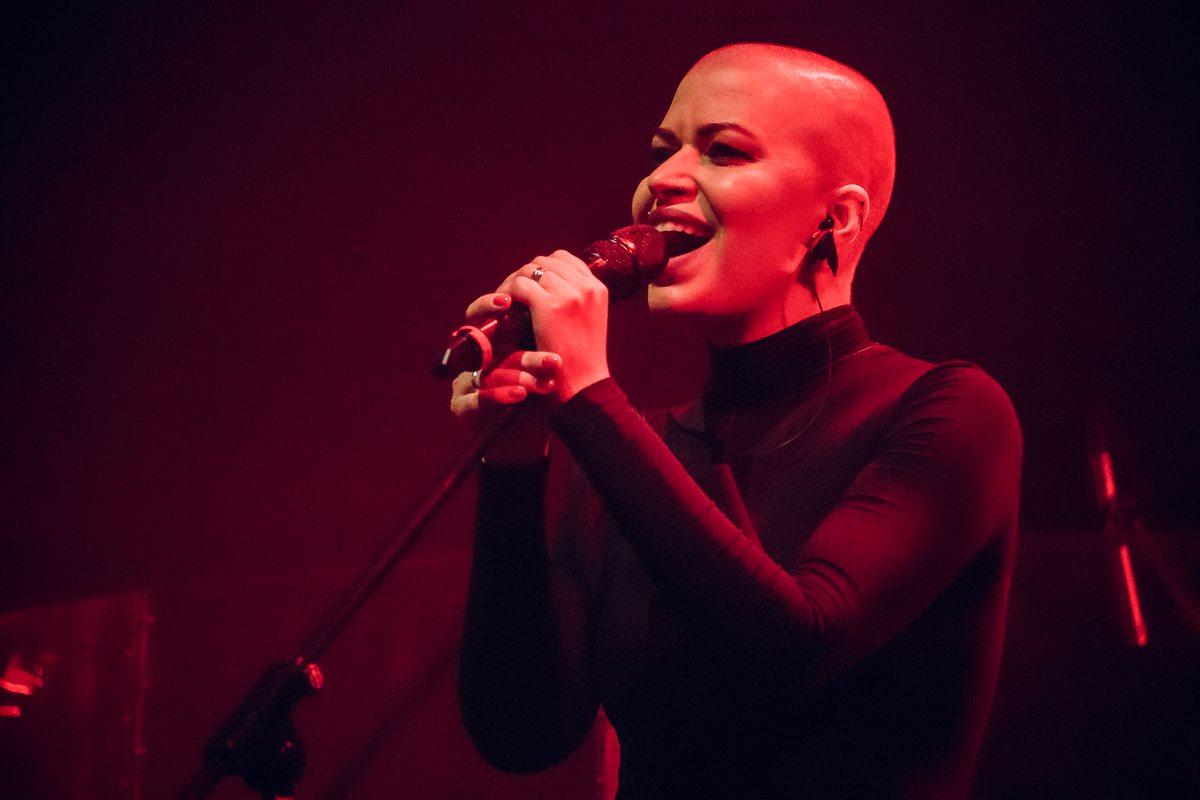 Алена Романова - вокалистка группы ДДТ