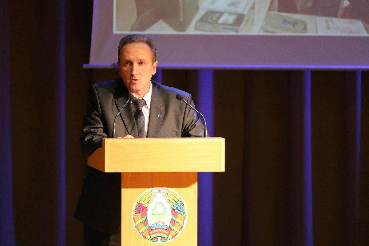 Первый проректор БарГУ Александр Унсович рассказал будущим абитуриентам о специальностях, которые можно получить в университете.
