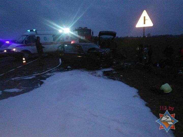 Страшная авария в Щучинском районе: Rover лоб в лоб столкнулся с SEAT, пострадали семь человек — Intex-press. Последние новости города Барановичи, Беларуси и Мира