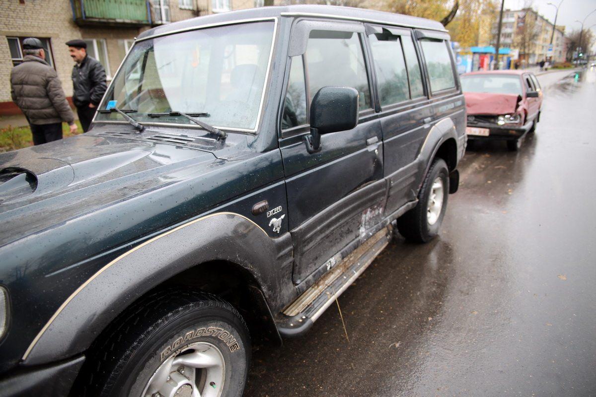 В Барановичах на улице Брестской столкнулись Hyundai и Volkswagen