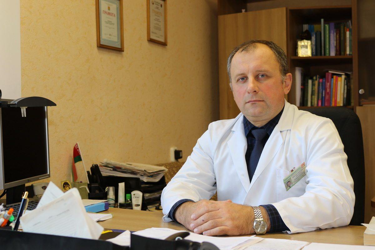 По словам Леонида Володкевича за последние десять лет, количество выявляемых случаев рака молочной железы выросло практически вдвое. Фото: Александр ЧЕРНЫЙ