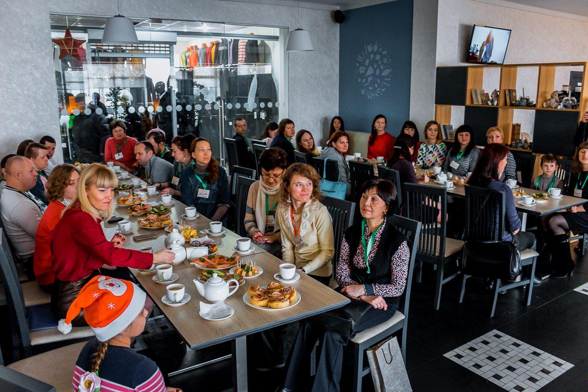 Всех участников акции пригласили на чаепитие.