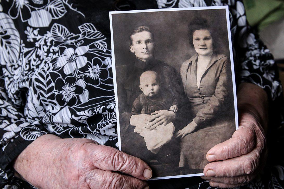 1926 год. Десятимесячная Нинель со своими родителями. Фото: Евгений ТИХАНОВИЧ