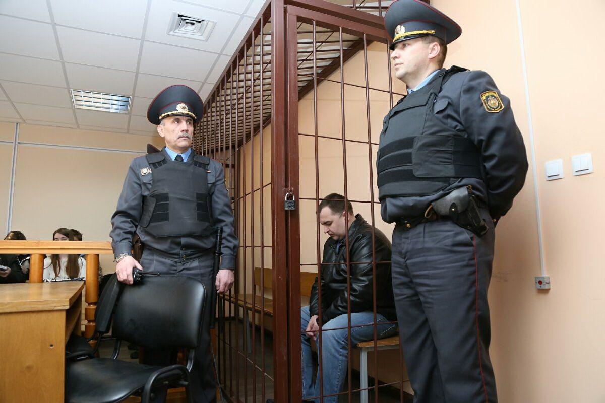 Андрей Волковыцкий до начала заседания суда. Фото: архив Intex-press