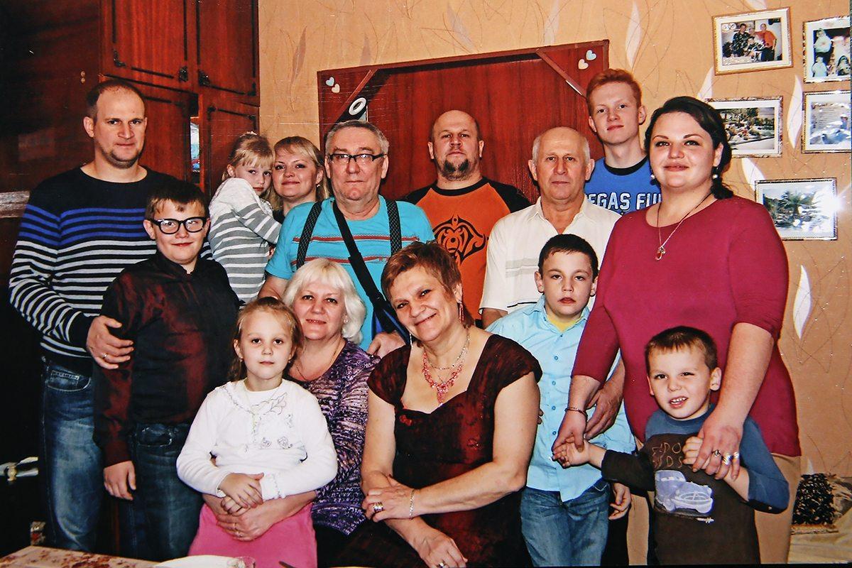 Татьяна с родными людьми. Фото: архив семьи ШВЕД