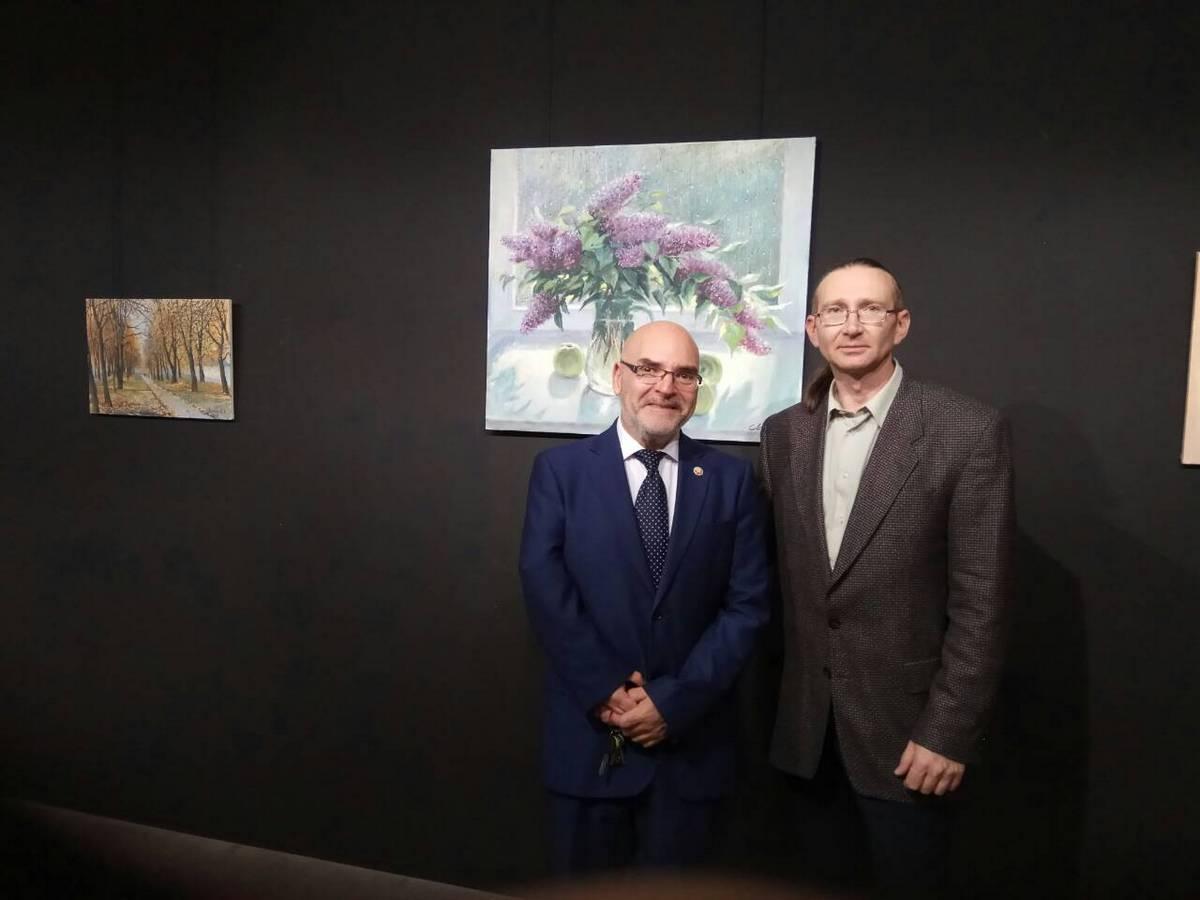 Юрий Лешик (справа) с консулом Джузеппе Карбони. Фото: архив Юрия ЛЕШИКА