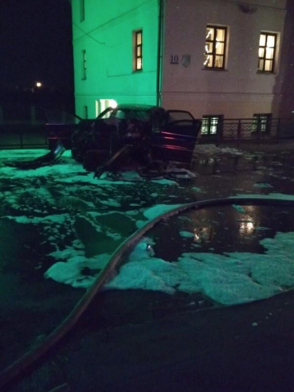 Фото с места происшествия из группы «Подслушано Поставы» ВКонтакте