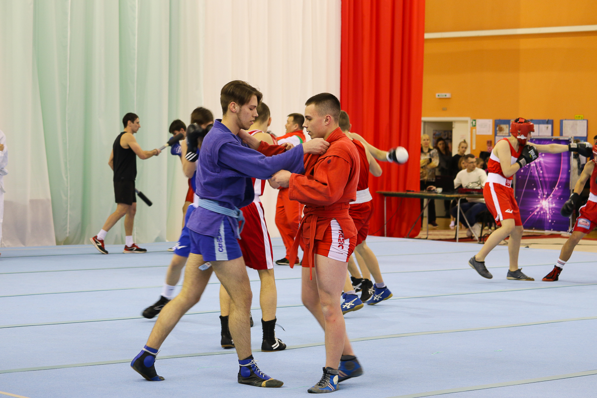 Выступление спортсменов города перед вручением наград лучшим тренерам и их воспитанникам.