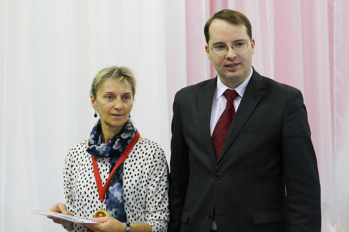 Награждается Людмила Булыга.