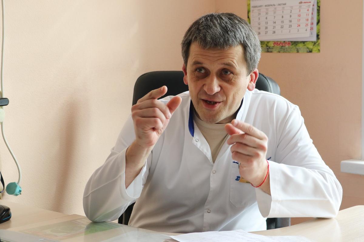 Всем мужчинам после 50 лет Александр Воропай советует ежегодно проходить профилактиче-ский осмотр у уролога. Фото: Александр ЧЕРНЫЙ