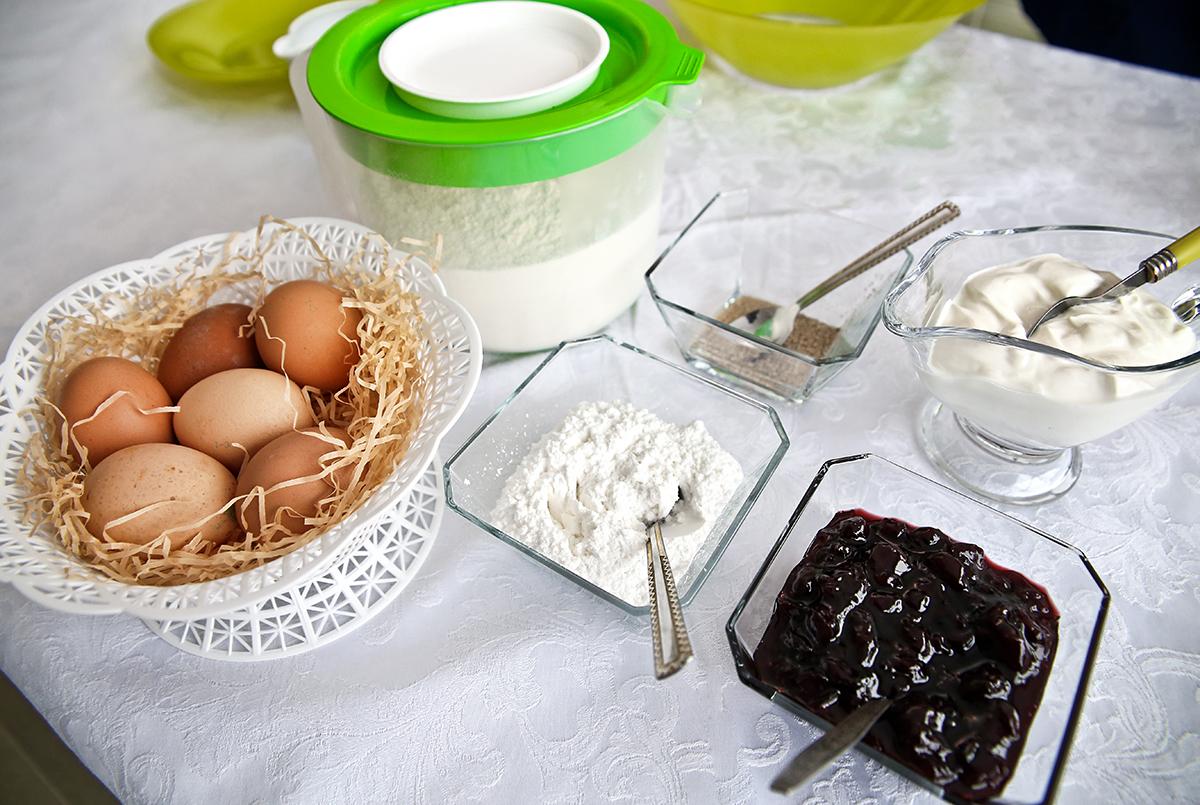 Ингредиенты для приготовления блинчиков.