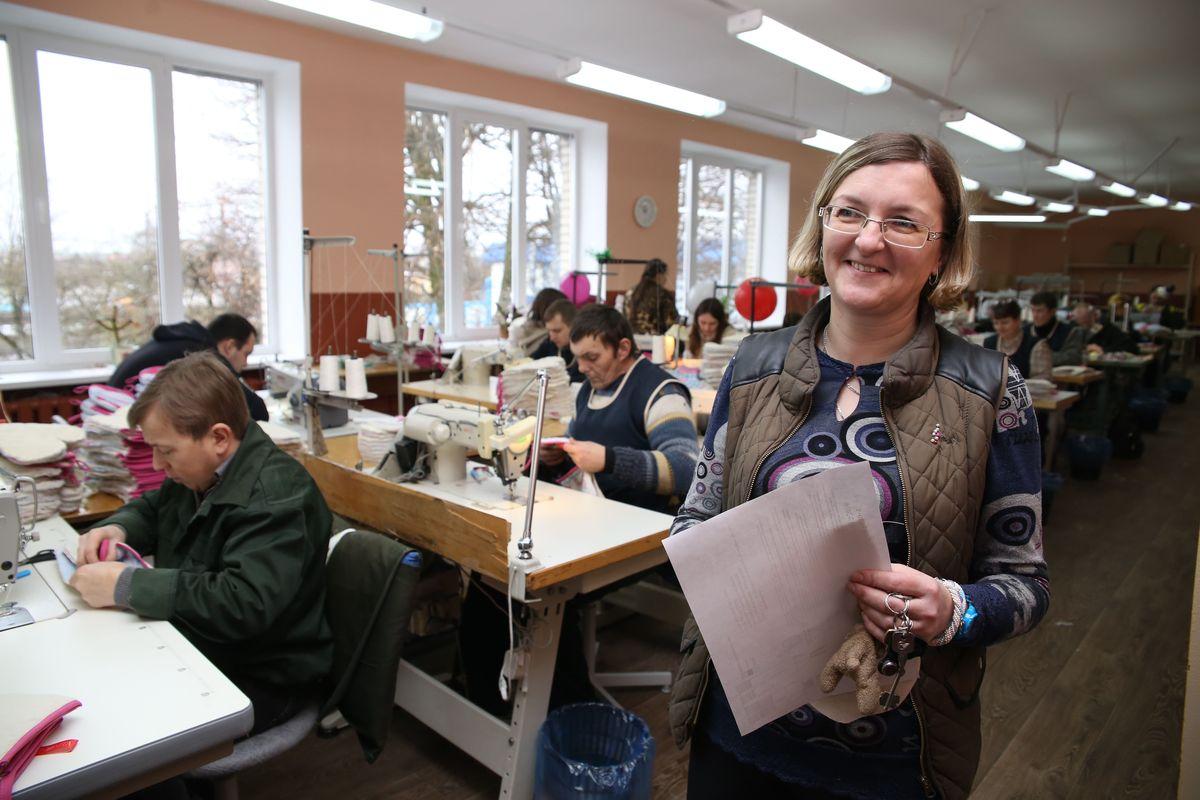 Начальник производства Мария Бурец считает, что в работе она должна быть психологом: выслушать людей об их проблемах, о жизни.