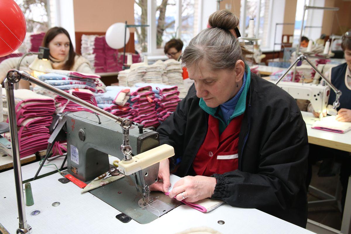 Мария Грушевская пришла работать на Барановичский комбинат надомного труда после 20 лет работы в общепите.