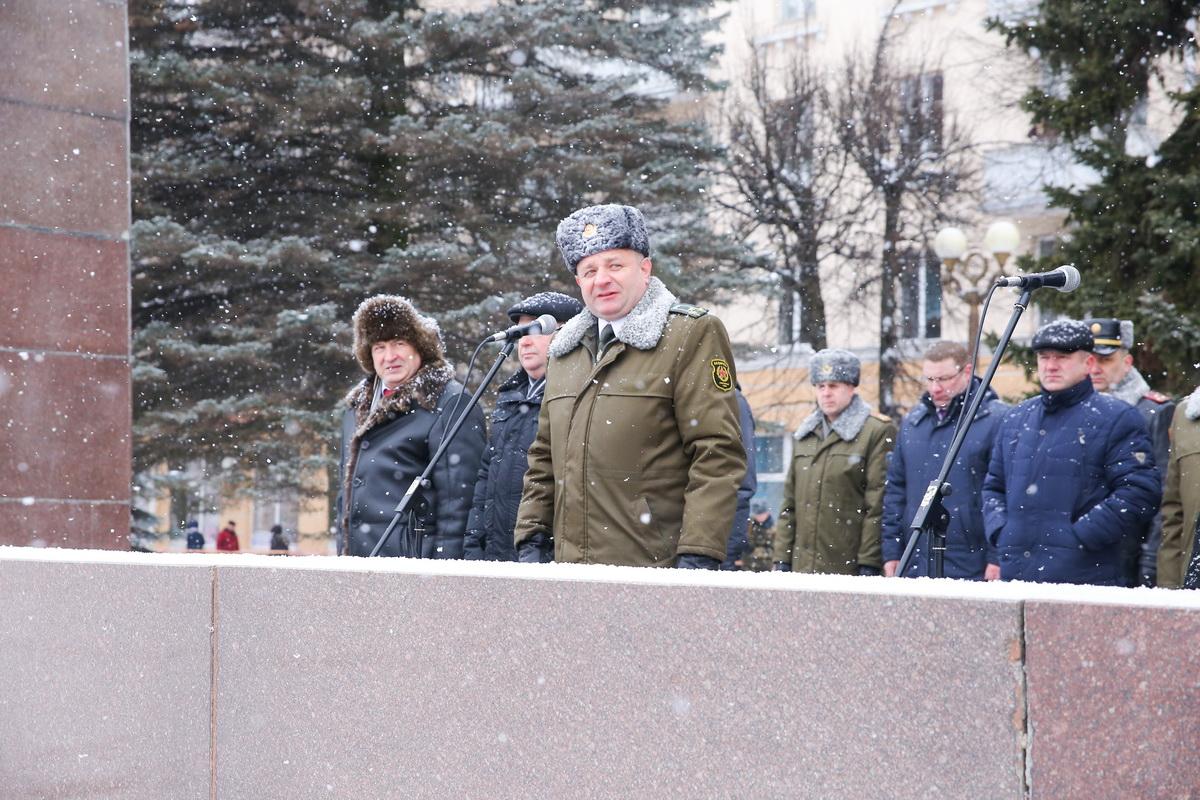 Начальник Барановичского гарнизона военный летчик-снайпер полковник Юрий Пыжик.