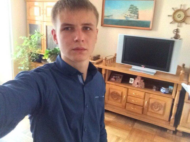 Александр Коржич в своем доме. Фото: семейный архив