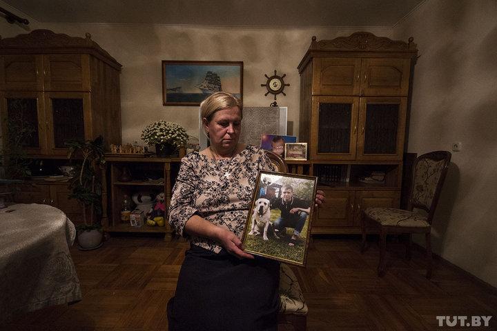 Маму погибшего солдата Светлану Коржич допустили к некоторым допросам. Фото: Станислав КОРШУНОВ, TUT.BY