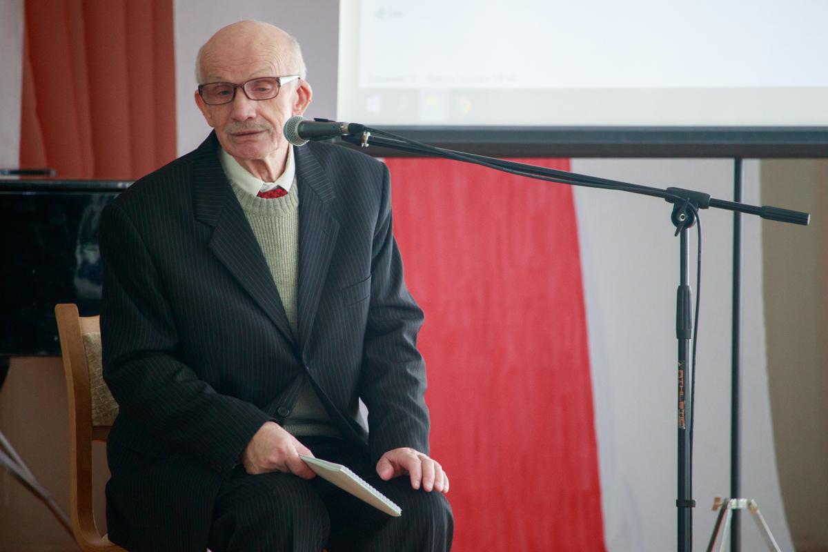 Выступление историка Анатолия Сидоревича. Фото: Александр ЧЕРНЫЙ
