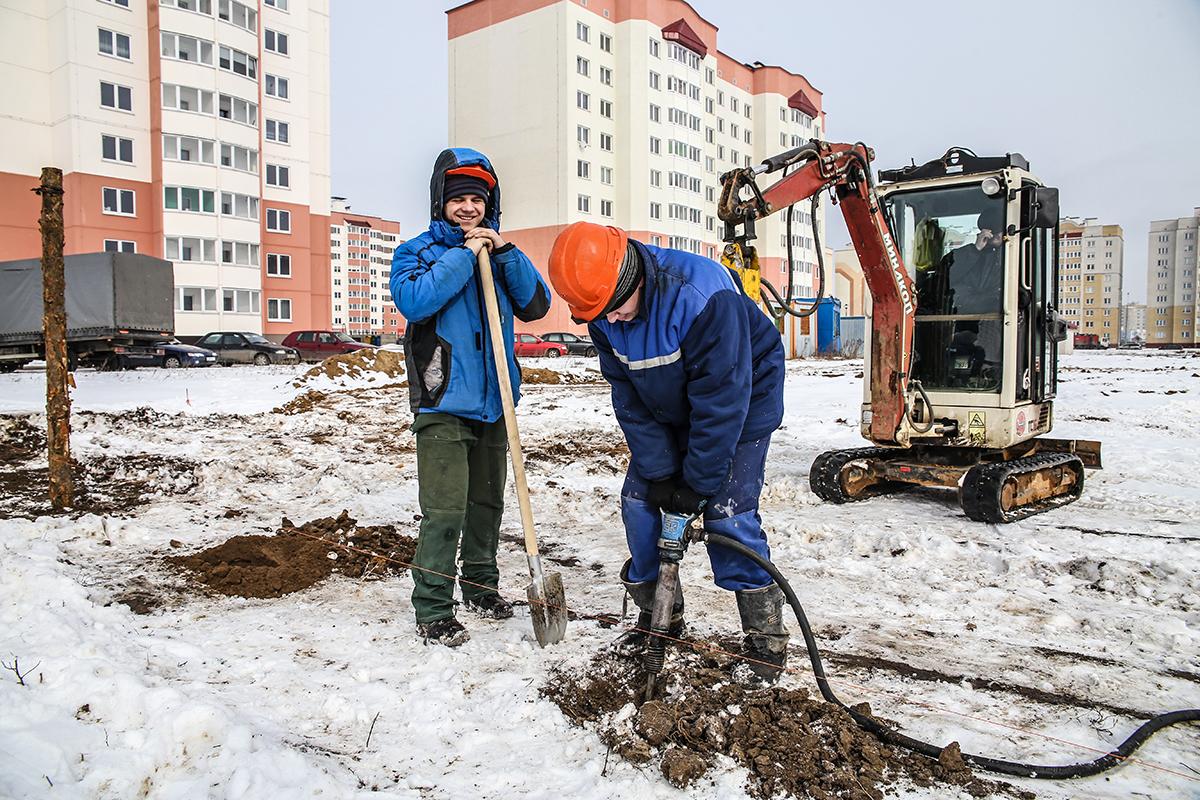 Февраль 2018 года. Первый день строительства нового детского сада в Боровках. Фото: Евгений ТИХАНОВИЧ