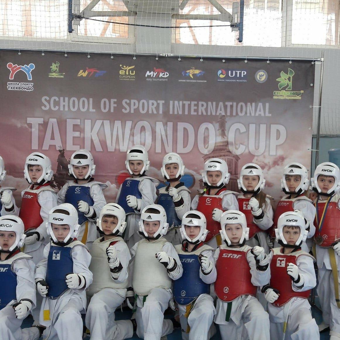 Барановичские спортсмены и их тренер Аида Оразаева (крайняя справа). Все фото: БФСО