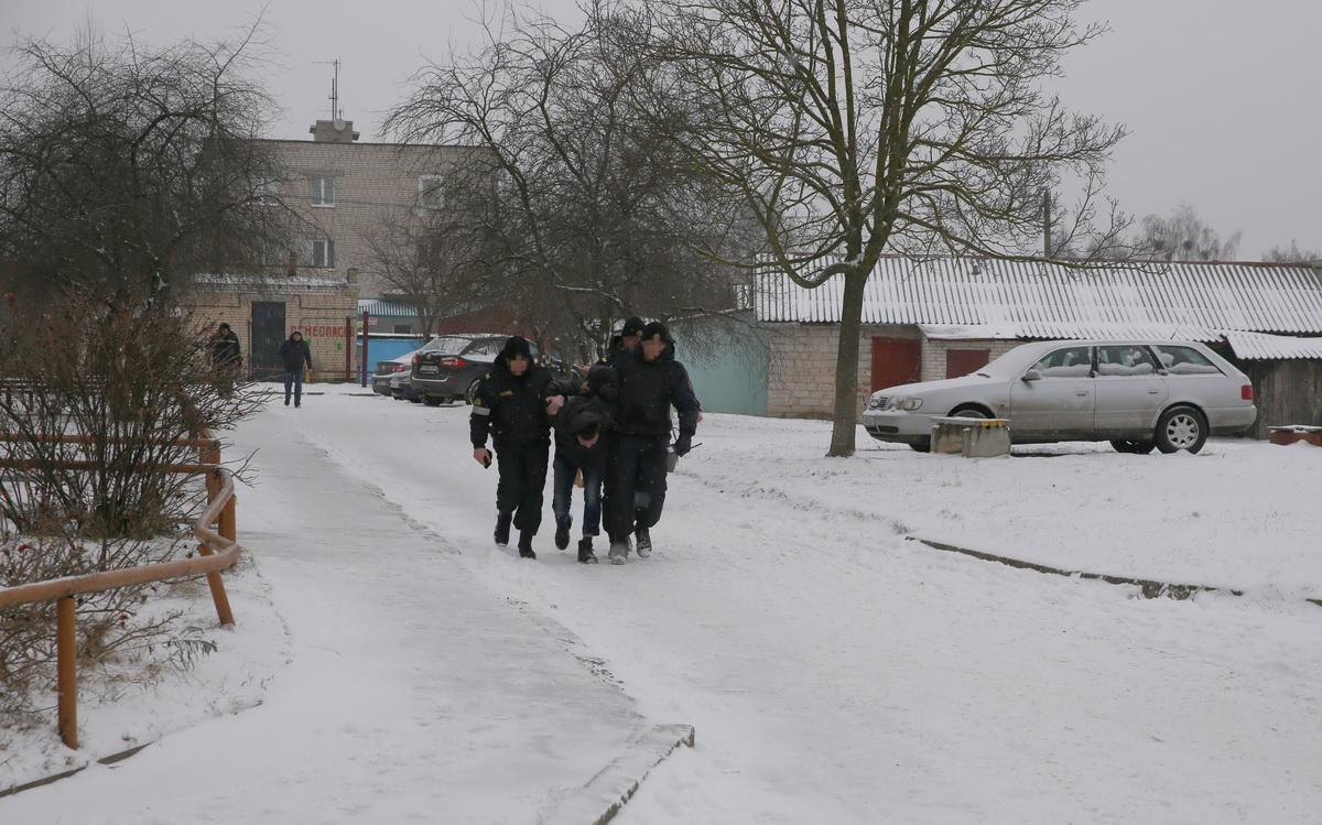 17 января. Обвиняемого задержала милиция. Фото: Татьяна МАЛЕЖ