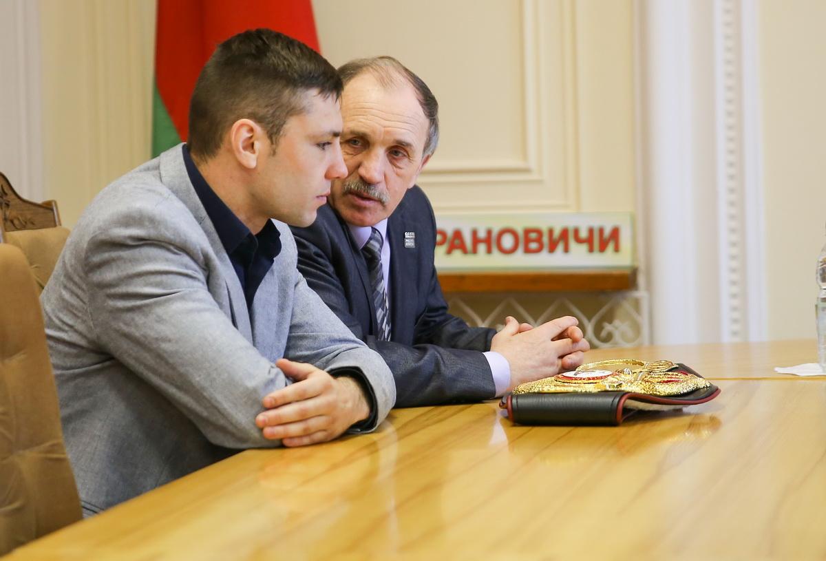 Кирилл Релих с первым тренером Анатолием Хвойницким