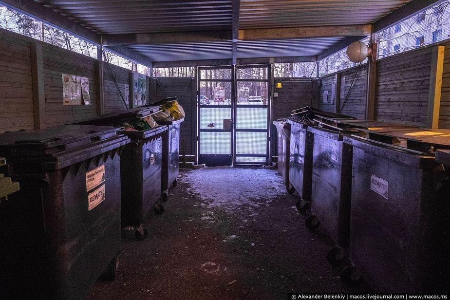 Типичное строение с контейнерами для мусора в Финляндии: чисто и закрыто. Фото: «Наша Нiва»