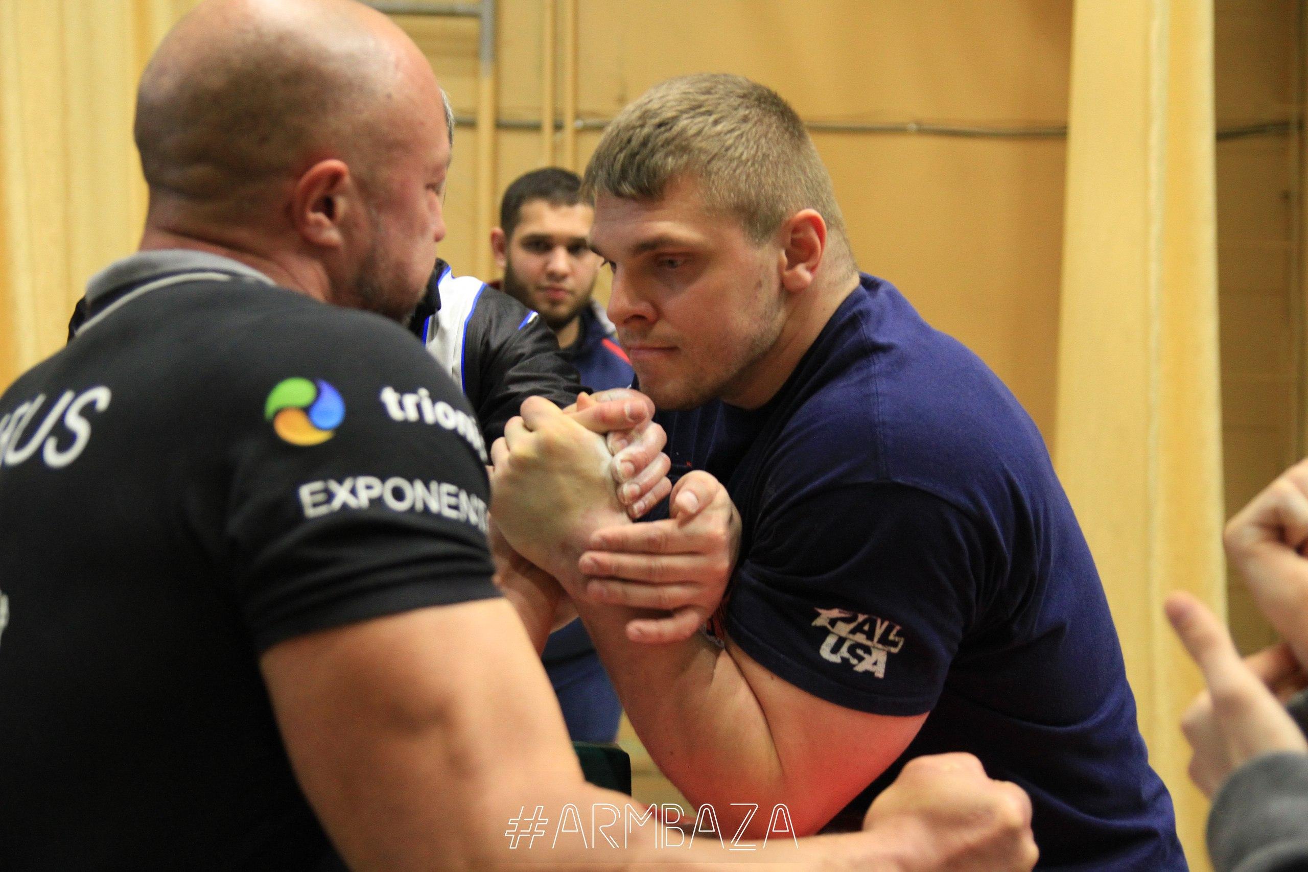 Дмитрий Шмыко (справа).