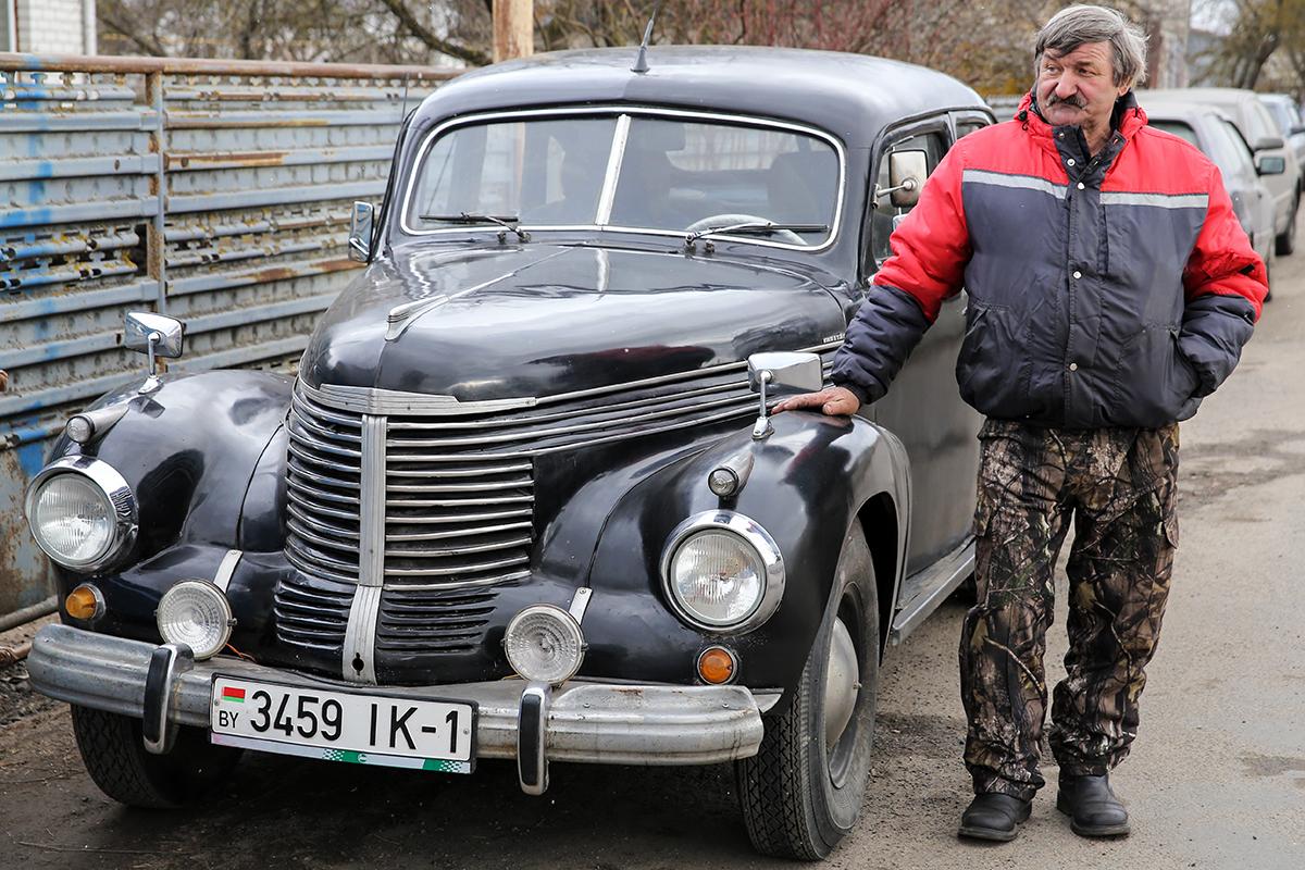 Opel Capitan снимался в фильмах «Руины стреляют...», «Часы остановились в полночь».