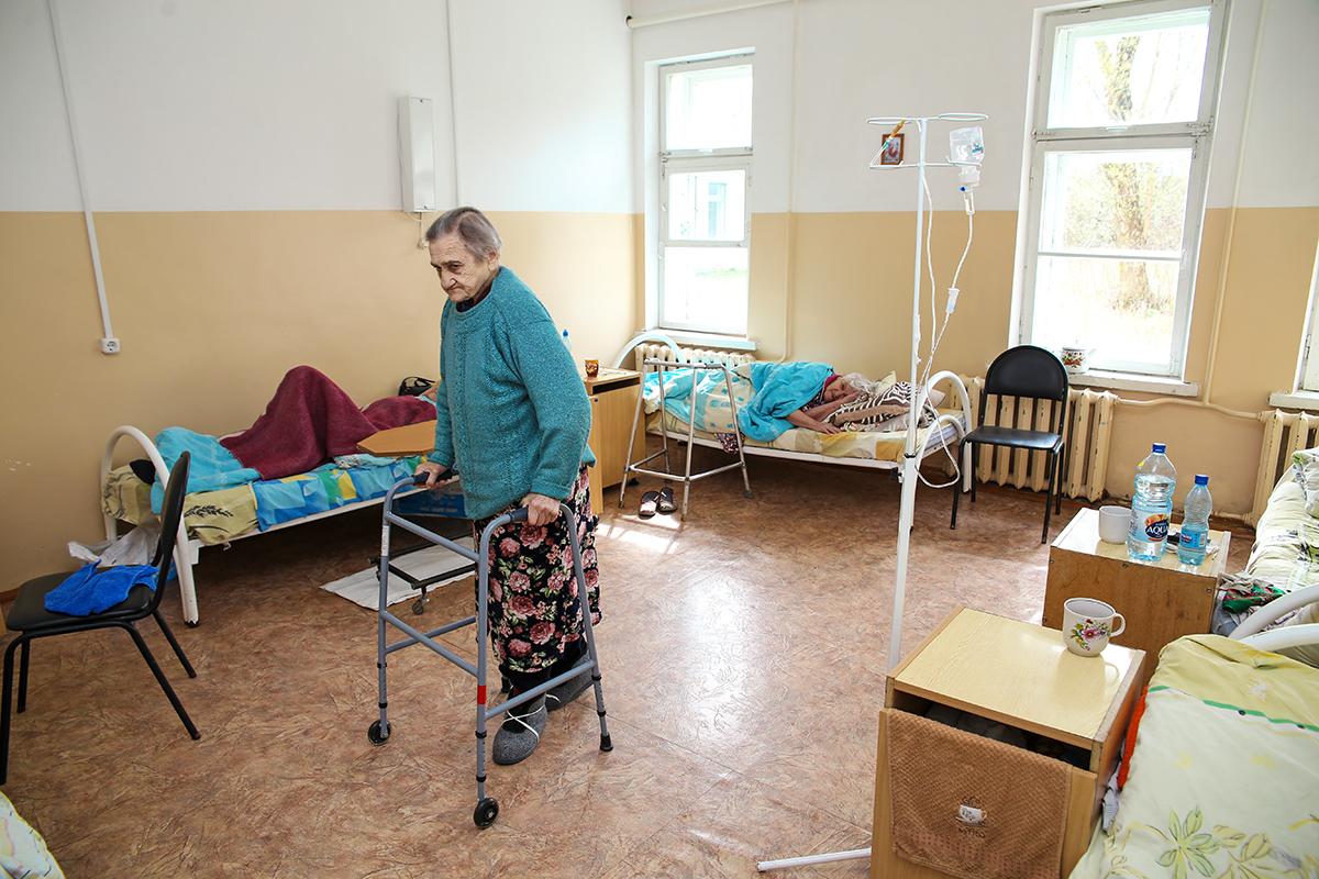 81-летняя Клавдия Могильская. Фото: Евгений ТИХАНОВИЧ