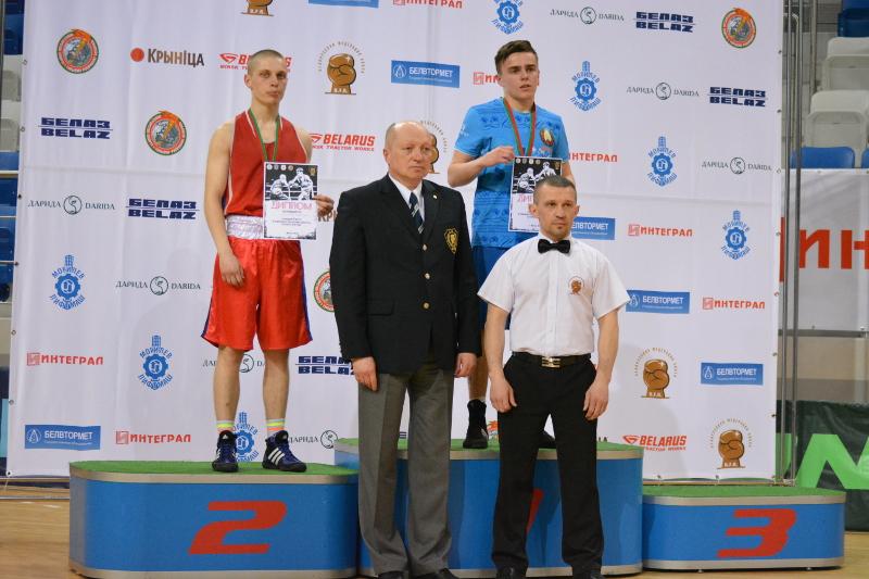 Александр Бутрим с золотой наградой чемпионата Республики Беларусь.