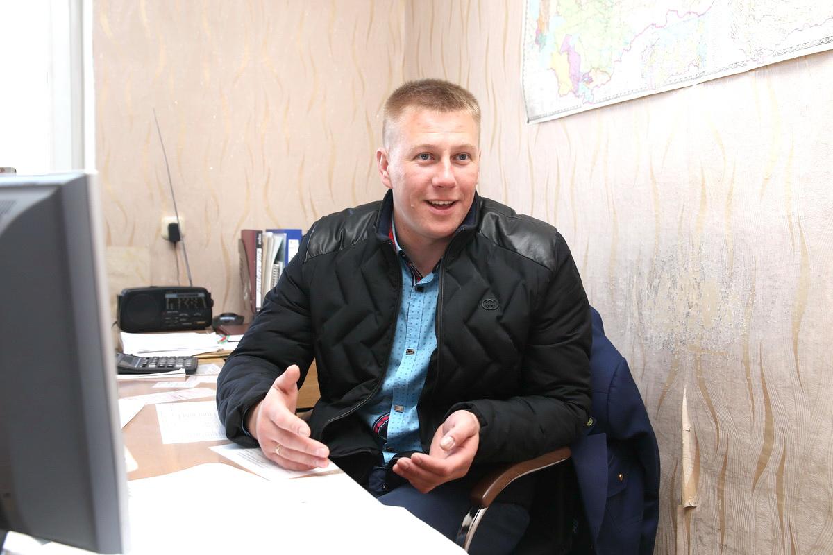 Виталий Третьяк, заведующий багажным отделением вокзала «Барановичи-Полесские». Фото: Евгений ТИХАНОВИЧ