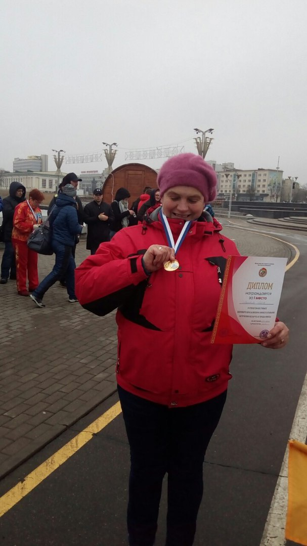 Любовь Матвеева – обладательница золотой медали чемпионата Республики Беларусь по зимнему спортивному плаванию. Фото: архив Любови МАТВЕЕВОЙ