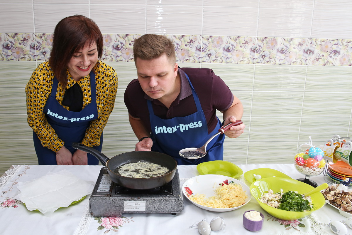 Натертый картофель обжариваем во фритюре до золотистого оттенка. Фото: Евгений ТИХАНОВИЧ
