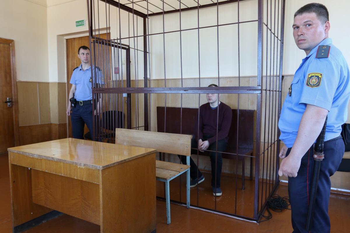 На судебных заседаниях обвиняемый вел себя спокойно. Фото сделано перед вынесением приговора, 28 мая. Фото: Александр ЧЕРНЫЙ