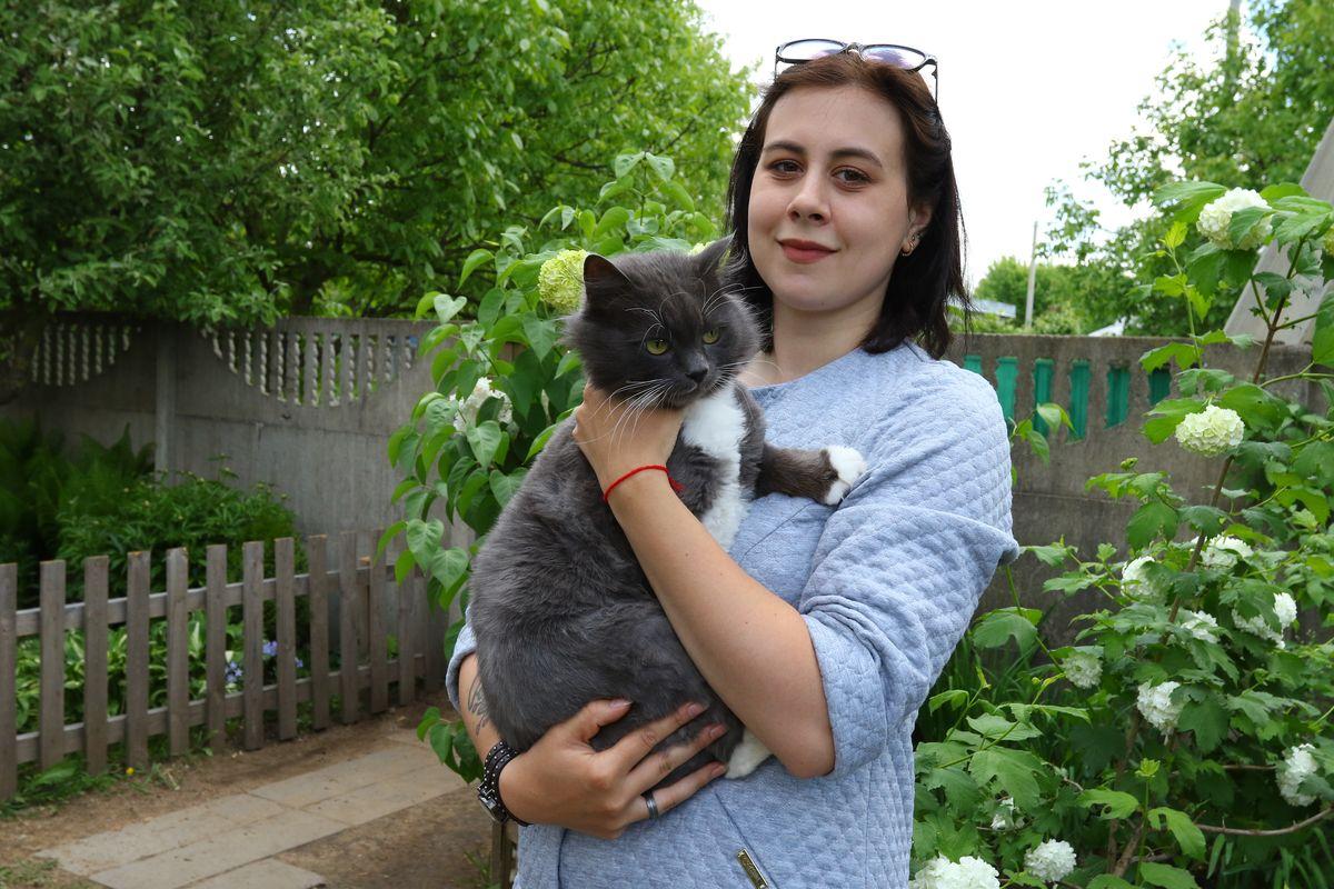 Ксения с котом по кличке Бакс. Фото: Александр ЧЕРНЫЙ