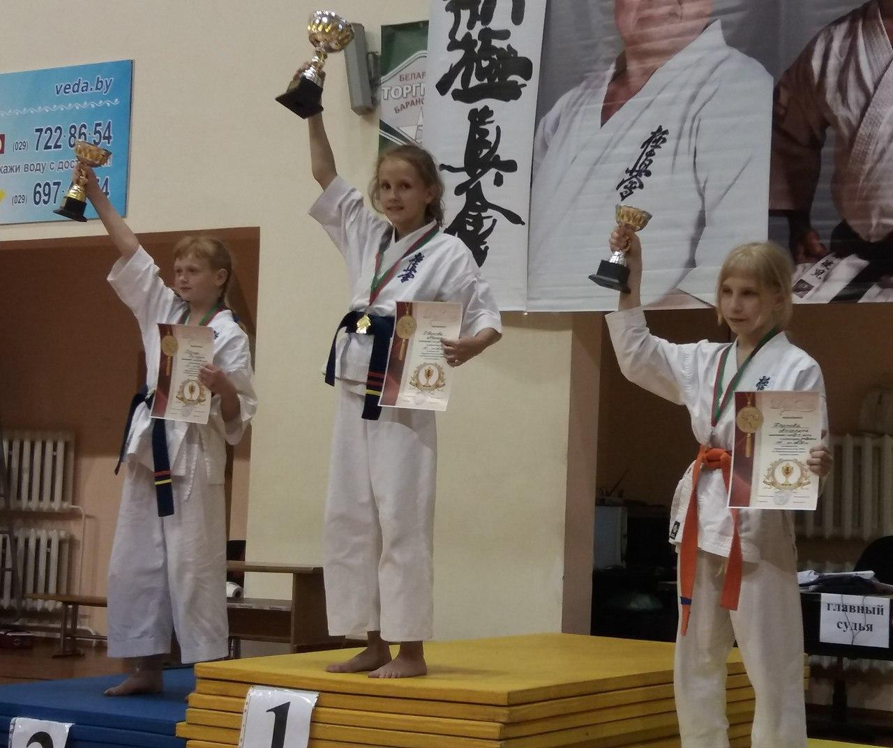 Мария Иванова (1-е место, СШ № 21). Лера Бычук (2-е место, СШ № 4). Елизавета Карась (3-е место, Минск)