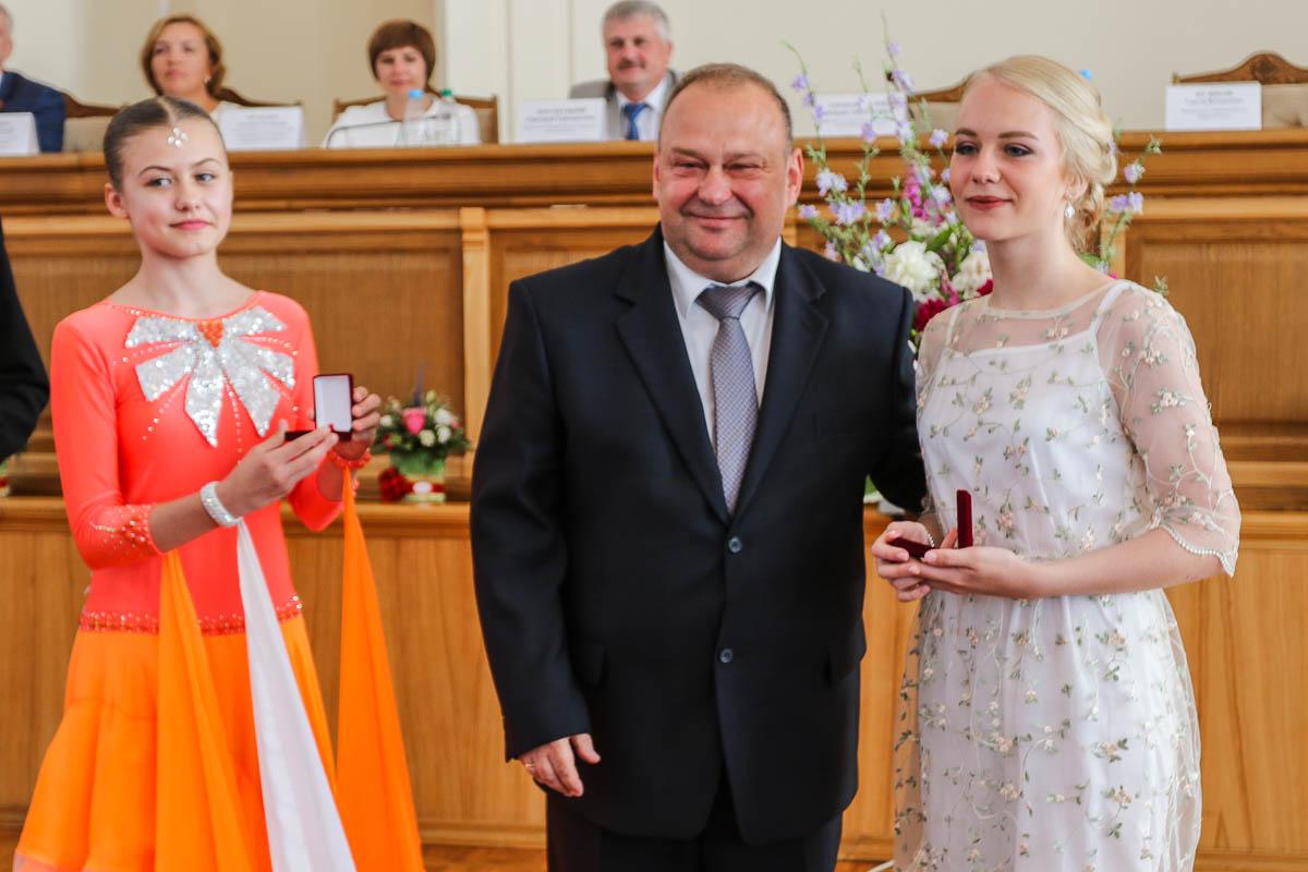 Выпускница лицея №1 Полина Жуковская на церемонии награждения