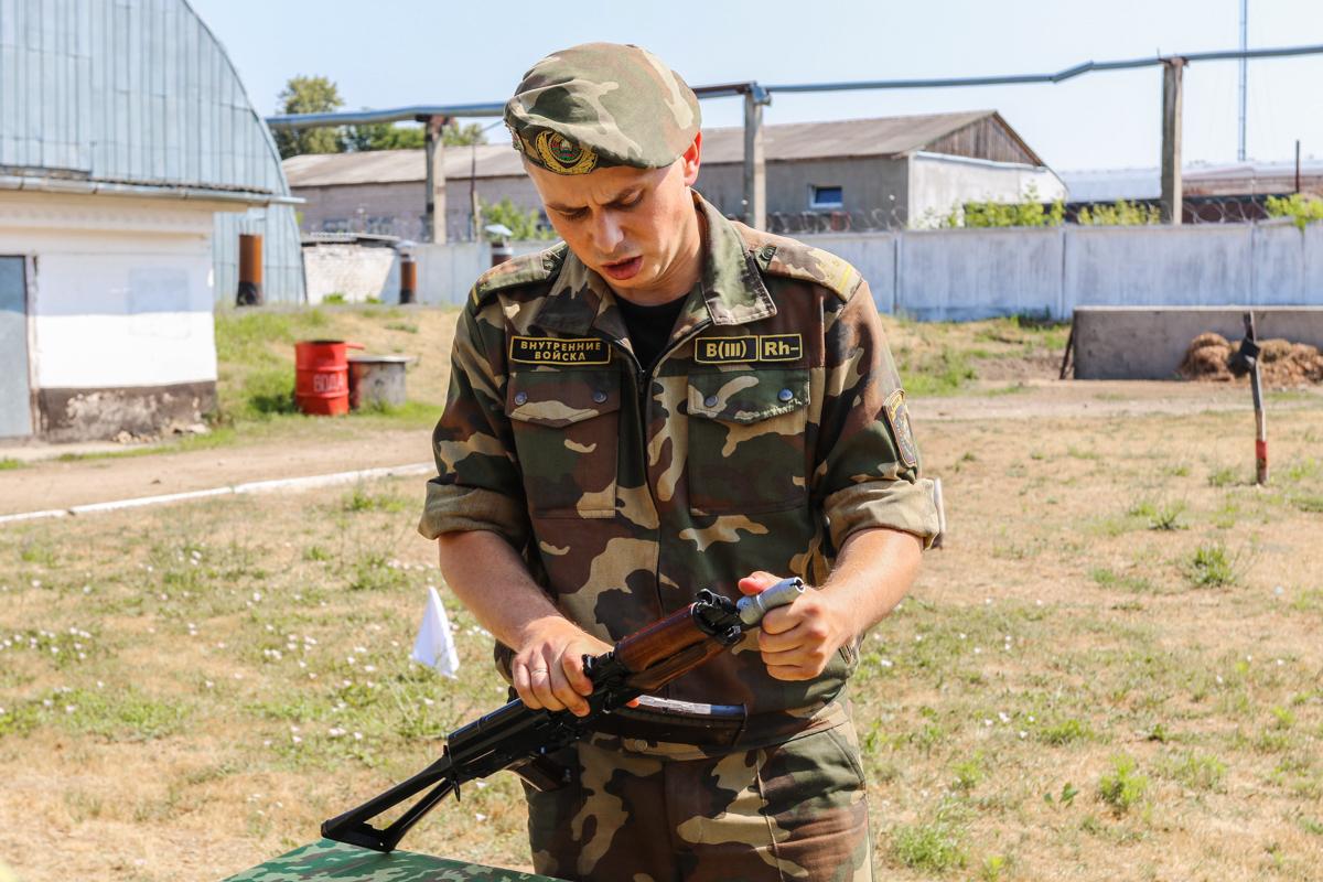Инструктаж по технике безопасности при обращении с оружием и боеприпасами.