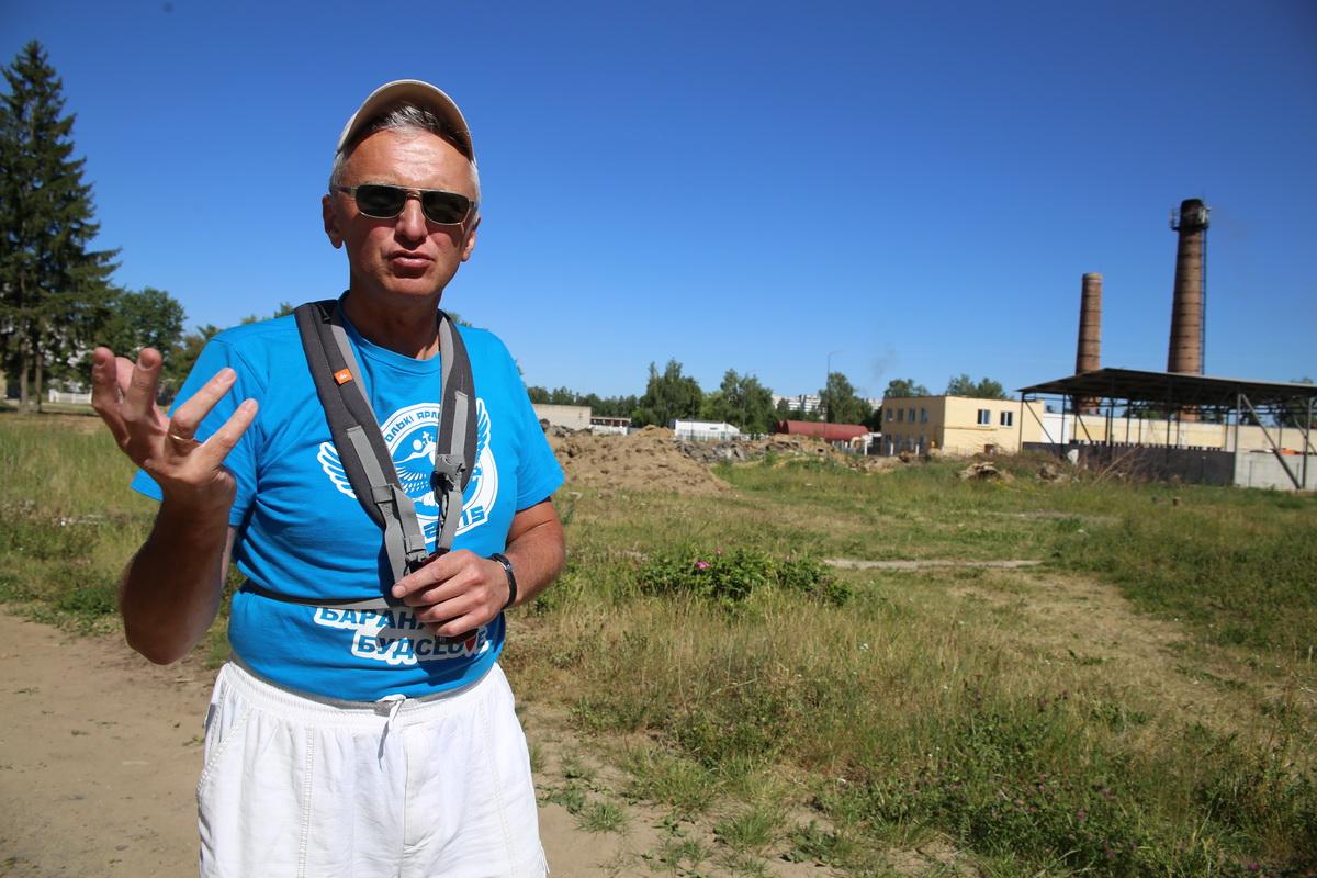 Александр Кветковский живет в доме №10 в Тексере с 1993 года. Фото: Александр ЧЕРНЫЙ