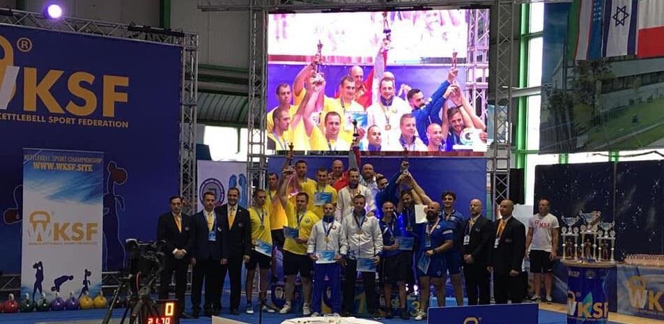 Сборная Беларуси - чемпион мира в гиревой эстафете.