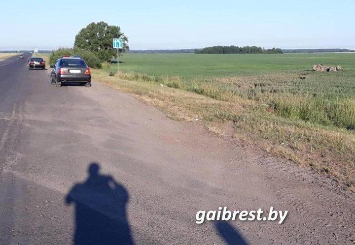 В Березе легковушка вылетела в кювет и опрокинулась – пострадал 18-летний водитель — Intex-press. Последние новости города Барановичи, Беларуси и Мира