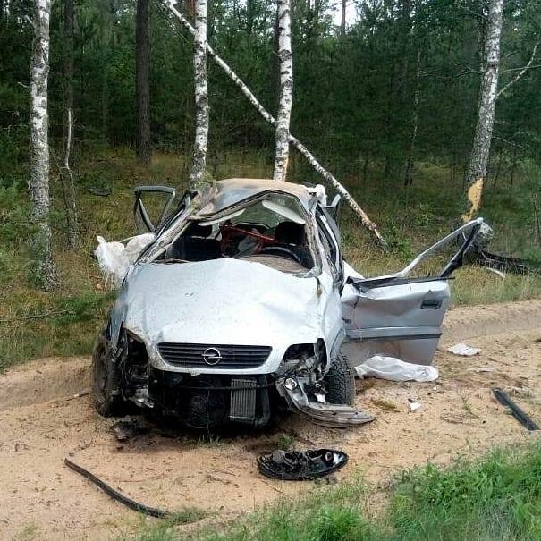 Под Барановичами на трассе перевернулся автомобиль «Опель», пострадали два человека — Intex-press. Последние новости города Барановичи, Беларуси и Мира