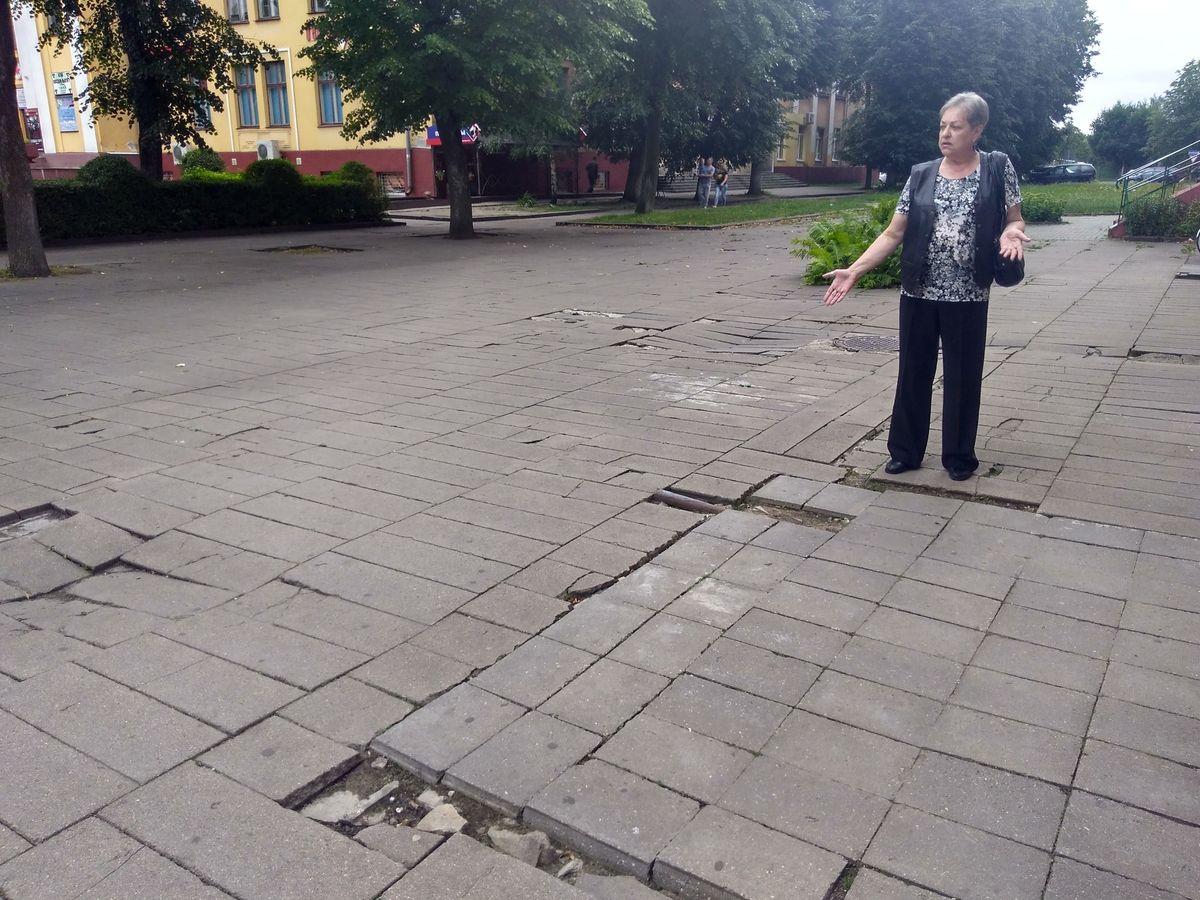 Елена Епифанова живет во дворе за магазином