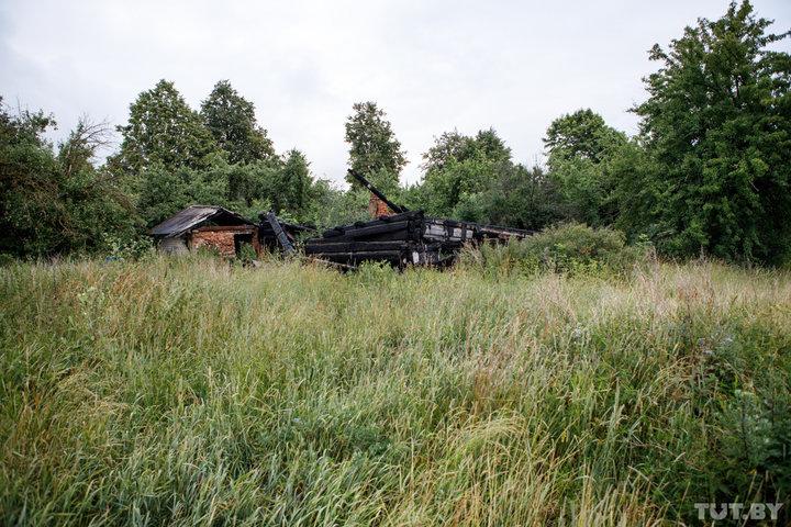 Дом Аллы и Славика, где пару лет назад тоже случился пожар. Фото: TUT.by.