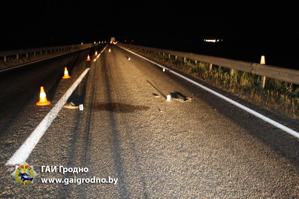 На трассе «Барановичи-Гродно» при обгоне грузовика легковушка насмерть сбила пьяного пешехода — Intex-press. Последние новости города Барановичи, Беларуси и Мира