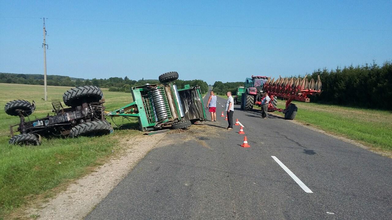 Под Дятлово столкнулись два трактора, механизатор в реанимации — Intex-press. Последние новости города Барановичи, Беларуси и Мира