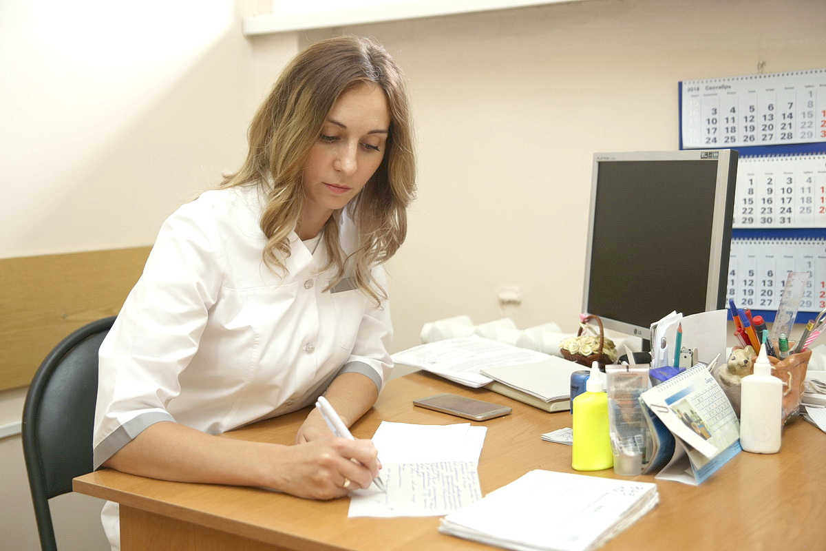 По словам Марии Тихоненко, основная группа пациенток, подверженных мастопатии, – женщины в возрасте 25–40 лет. Фото: Евгений ТИХАНОВИЧ