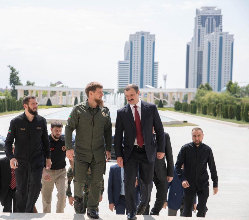 Рамзан Кадыров и Виктор Лукашенко в Грозном. Фото: страница во «ВКонтакте» Рамзана Кадырова